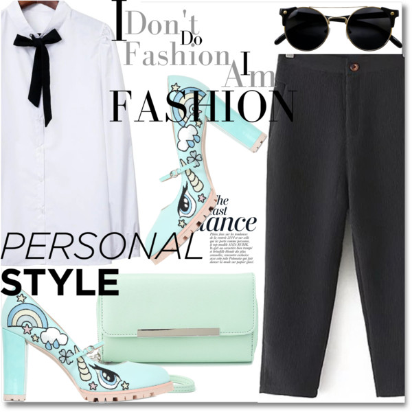 Capri Pants Outfit Ideas For Women Over 40