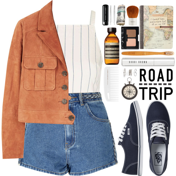 Women Over 30 Summer Travel Outfit Ideas