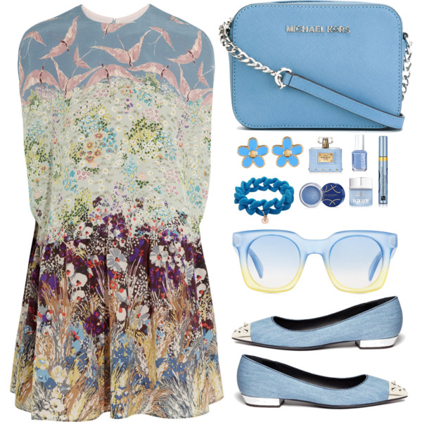 Summer-Travel-Outfit-Ideas-For-Women-Over-40-15