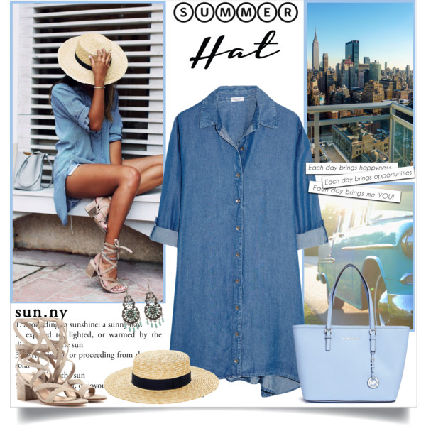 Summer-Travel-Outfit-Ideas-For-Women-Over-40-17